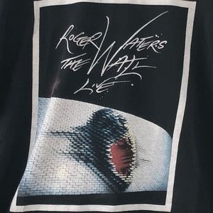 Other - 2010 Roger Waters Concert Tour Graphic Tee